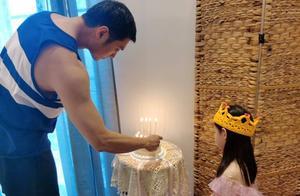张梓琳4岁女儿颜值超高,大长腿身高像10岁,眼睛遗传妈妈