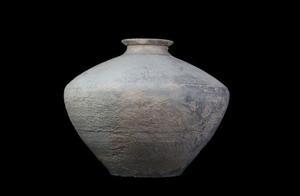 秦汉新城西汉早期大型墓地出土2000多年前彩绘陶器