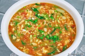 大厨分享老式疙瘩汤的做法,不发面不揉面,汤鲜味美,技巧很简单