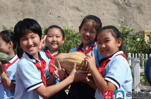 济南历城区雪山小学(山师大二附中雪山分校)举办首届校园丰收节