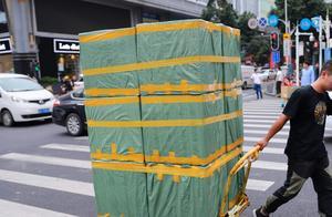 """北京发布""""限塑10条""""外卖、电商快递等六大行业成禁限重点"""