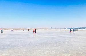 苏北杨末侣行记(9):松花江上看冰雕,雪乡山坡堆雪人