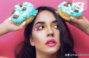2020秋冬彩妆:舌尖上的盛宴