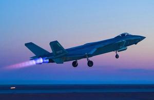 1月11日,歼-20首飞十周年,十张老照片回顾十大高光时刻