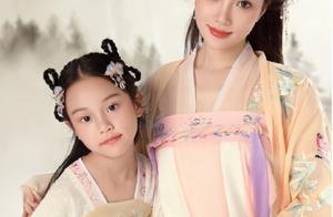 完美复刻父母美貌的星二代,黄磊、李小璐女儿上榜,都是高级脸