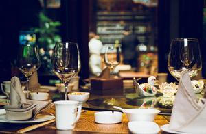 """饭前热水烫碗筷!广东人吃饭前,为什么这么有""""仪式感"""""""