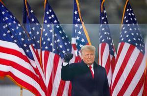 白宫内部传出新消息:助手曾恳求特朗普平息乱局,总统默不作声