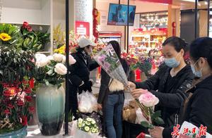 花市超市打年货,武汉年味浓   图集