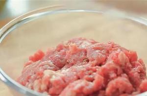 孩子爱吃汉堡又担心油不干净自己在家做最正宗的牛肉汉堡安全美味