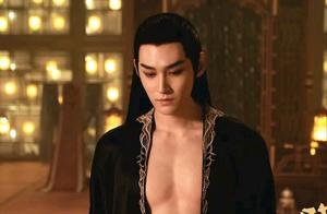 郭敬明,你的审美难道就长到男人脱衣服光着膀子上面了吗?