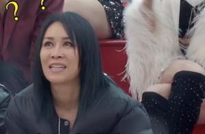 那英看完蒋璐霞表演的反应,太真实了不愧是那姐