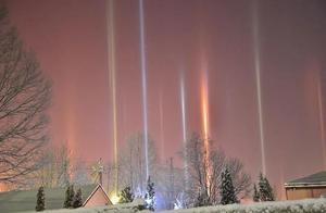 内蒙古天空出现5彩光柱,比流星还罕见,撞见的机会比中奖还难