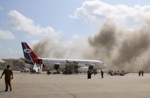也门亚丁机场遇袭增至26死 伤亡恐再增加