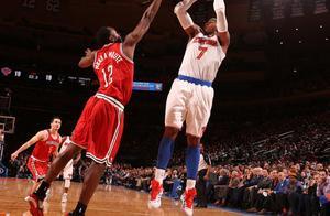 """标志三分庆祝手势!那个NBA叫""""万花筒""""的男人又回来了"""