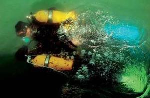 精英中的精英:解放军水下特种兵苦练水下作战技能,场景令人震撼