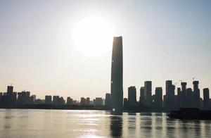 2021年第一天,暖阳下、长江边,一个武汉人的新开始