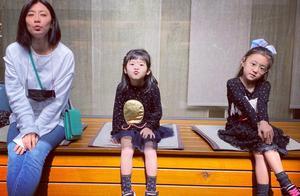 贾静雯5岁女儿先天弱视两眼差600度,扒高龄产子患眼疾的女星
