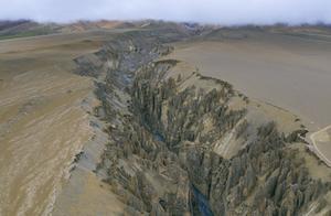 西藏日喀则奇林峡,喜马拉雅山下的惊世地裂,世间罕见