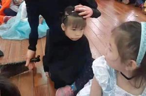 幼儿园万圣节舞会,看到宝宝的装扮,网友:宝妈你不用这么认真