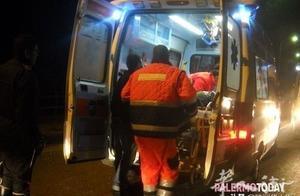 西西里岛一名3岁男孩在家里被窗帘绳子勒死