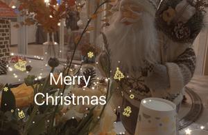 张馨月晒圣诞照片,直言林峯直男,一家三口合照男方细节暴露感情