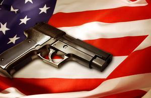 美国疫情全面失控,华人韩国裔买枪自保:美国枪械销售额再度狂飙
