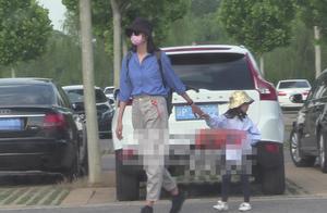 世界小姐张梓琳四岁女儿近照曝光,网友评论:时尚感从小培养