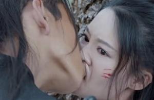 《狼殿下》主演卸妆,王大陆比想象中要白,宝娜确定有30岁?