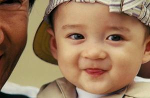 成龙大哥和古天乐一起主演的《宝贝计划》小baby如今15岁了