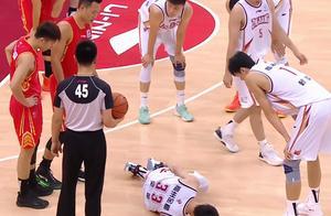 吴前崴脚伤退,连续两场折损后场大将,浙江本赛季之路波澜再起