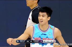 新疆男篮双塔效益外溢,远投成获胜关键,唐才育9记三分并非偶然