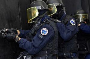 家暴变袭警!三名法国警察处理家暴案件时遭枪杀