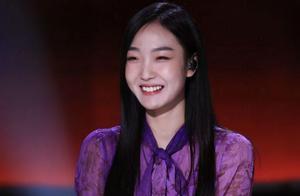《中国好声音》李宇春歌曲拖累学员,潘虹唱功比她好,台风却不行