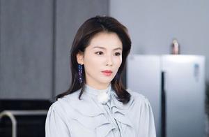 从演员到跨界做主播成带货女王,42岁的刘涛,到底凭什么成功?