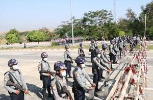 警方封锁缅甸最高法院路口;联合国、美国警告缅甸军方不要搞政变