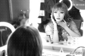 赵薇新作《听见她说》首播,齐溪出演《魔镜》,讲诉女性容貌焦虑