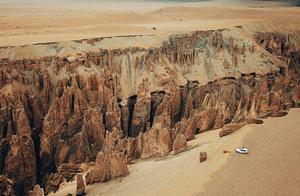 喜马拉雅山下的骇人裂缝,西藏奇林峡大峡谷,震撼人心