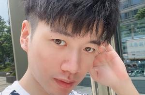 Xinyi宣布退役,感慨25岁已经老了,特别感谢Doinb