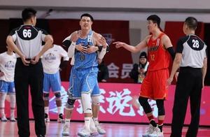 CBA又现争议性判罚!北京险罢赛,深圳男篮罚球绝杀北京