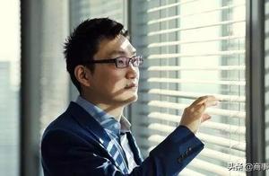 黄峥成了中国第二大富豪,拼多多底层员工,却还在996拿命换钱