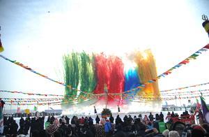 查干湖冬捕头鱼由吉林省浙江商会以2999999元拍得。