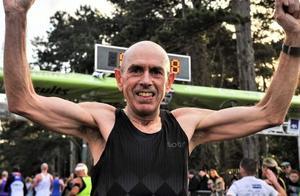 60岁老汉全马230再破纪录,跑步这么久,竟连大爷都跑不过