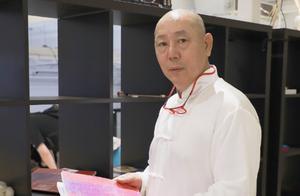 20多年前就身家上亿,会打碟还会做手账,李成儒可不是个老古董
