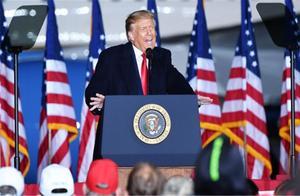 白宫公开举白旗,宣布放弃疫情控制,专家:麻烦还在后头