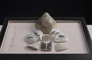 神秘中国商人买下世界最贵口罩,价值1000多万,镶有黄金钻石
