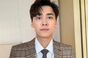李易峰不是6000万吗,辟谣与方安娜恋情,张承中尹鑫分手