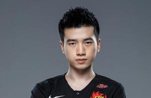 他曾无限接近冠军皮肤!Xinyi宣布退役,Doinb做法感人