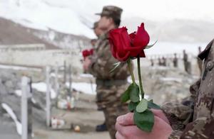 看哭了!112朵玫瑰,献给喀喇昆仑112位高原烈士……