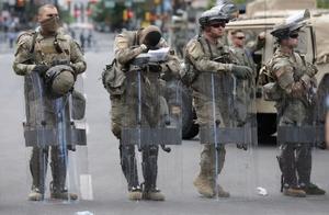 """长子发推""""决一死战彻底开战""""!美国军械库失窃 各处囤枪"""