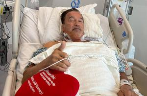 73岁施瓦辛格做心脏手术,康复后街道散步,网友:终结者的身体